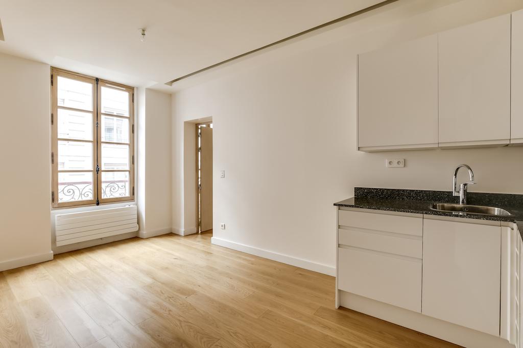 Agence-Leroy-Vente-2-pièces-rue-de-Bourgogne-32-m2-75007-Paris2