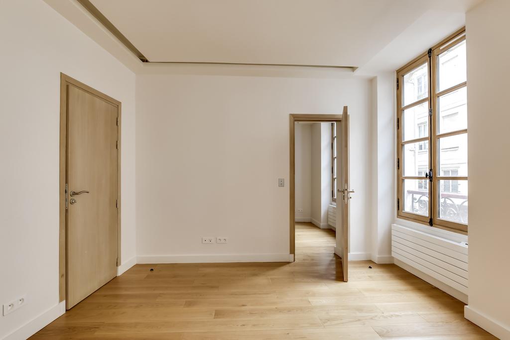 Agence-Leroy-Vente-2-pièces-rue-de-Bourgogne-32-m2-75007-Paris3