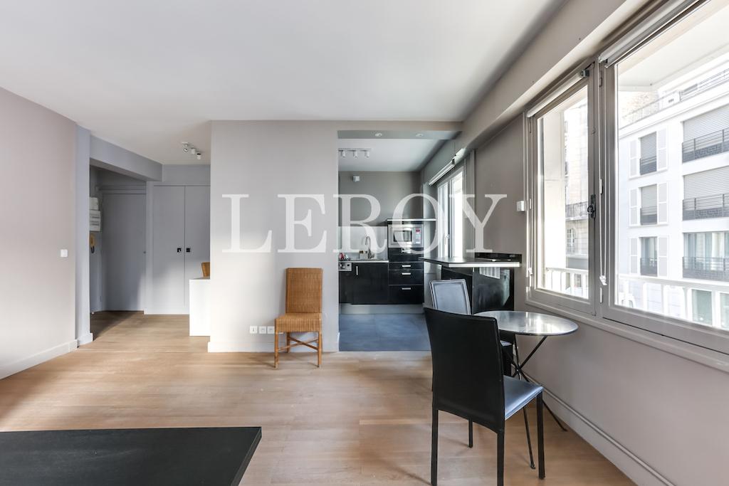 Agence-Leroy-Vente-2-pièces-Vaneau-75007-Parisphoto-5655-005