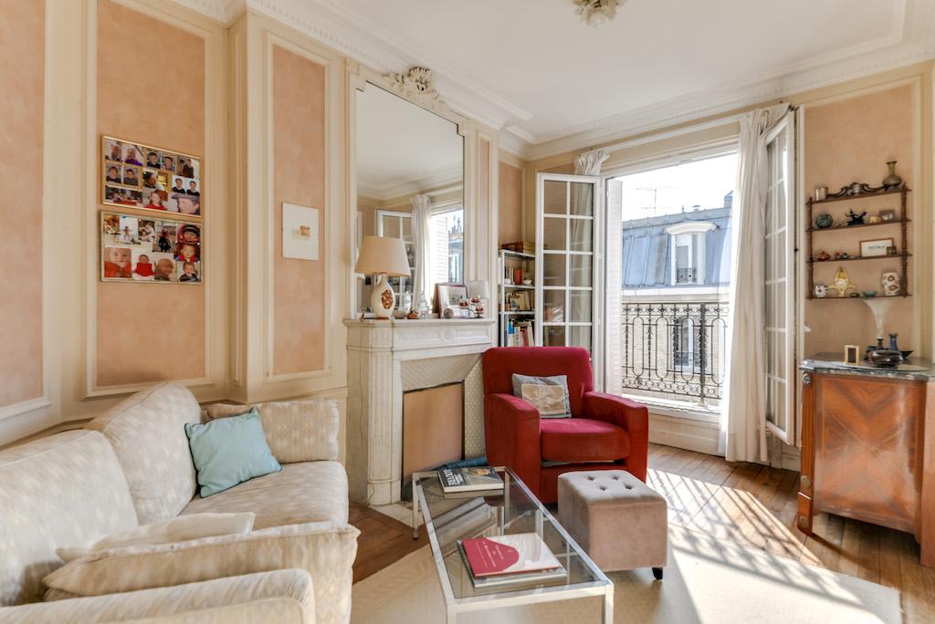 Agence-Leroy-Vente-3-pièces-balcons-rue-Vaneau-65-m2-75007-Paris-2