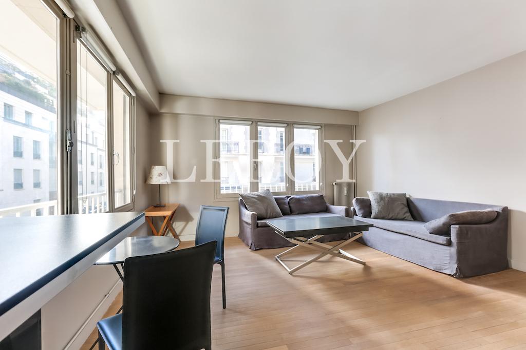Agence-Leroy-Vente-2-pièces-Vaneau-75007-Parisphoto-5655-002