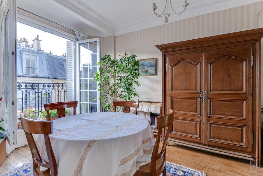 Agence-Leroy-Vente-3-pièces-balcons-rue-Vaneau-65-m2-75007-Paris-3