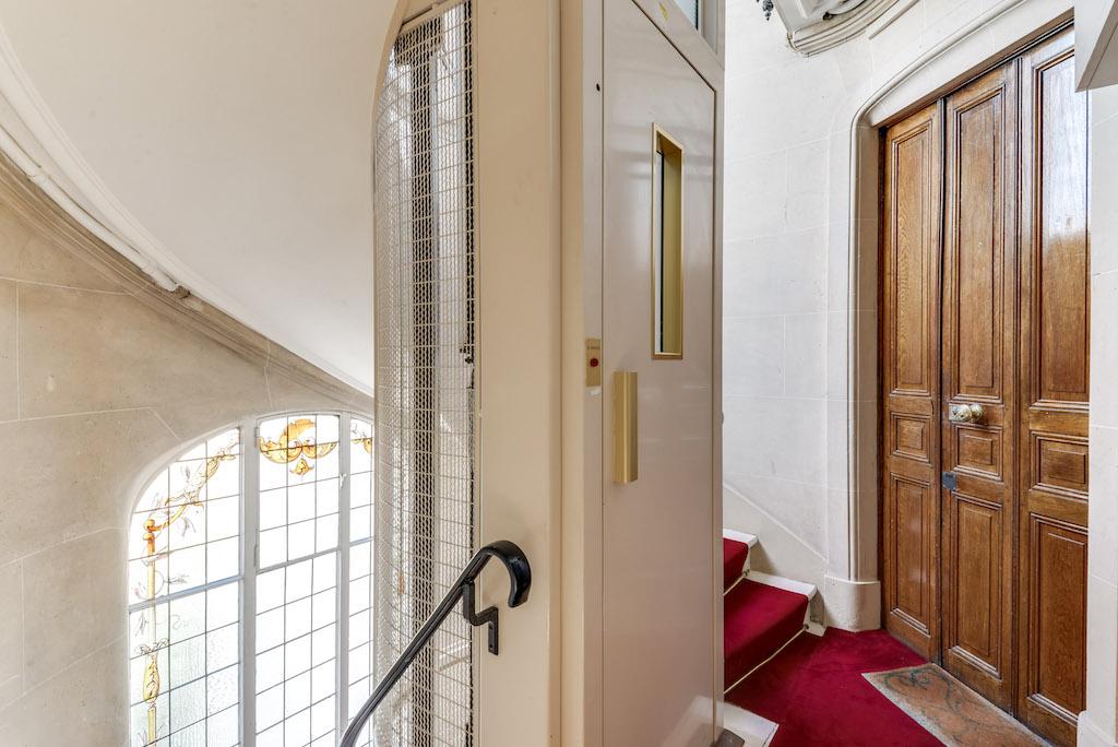 Agence-Leroy-Vente-3-pièces-balcons-rue-Vaneau-65-m2-75007-Paris-13