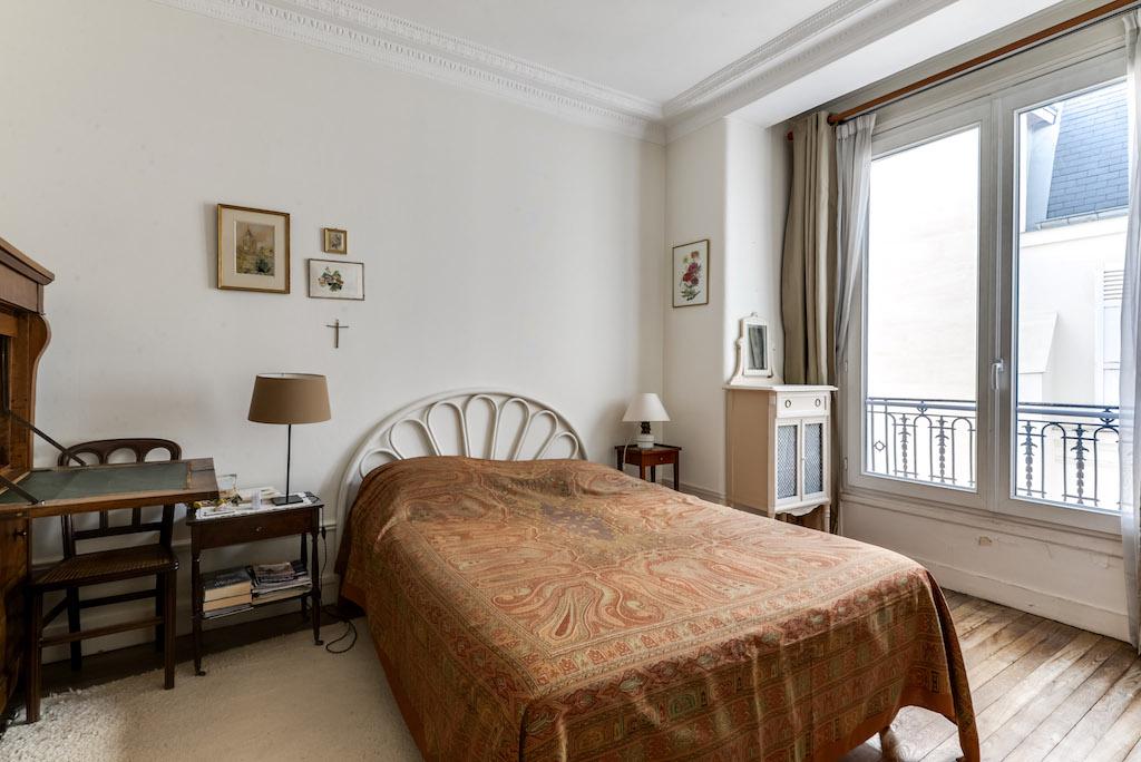 Agence-Leroy-Vente-3-pièces-balcons-rue-Vaneau-65-m2-75007-Paris-11