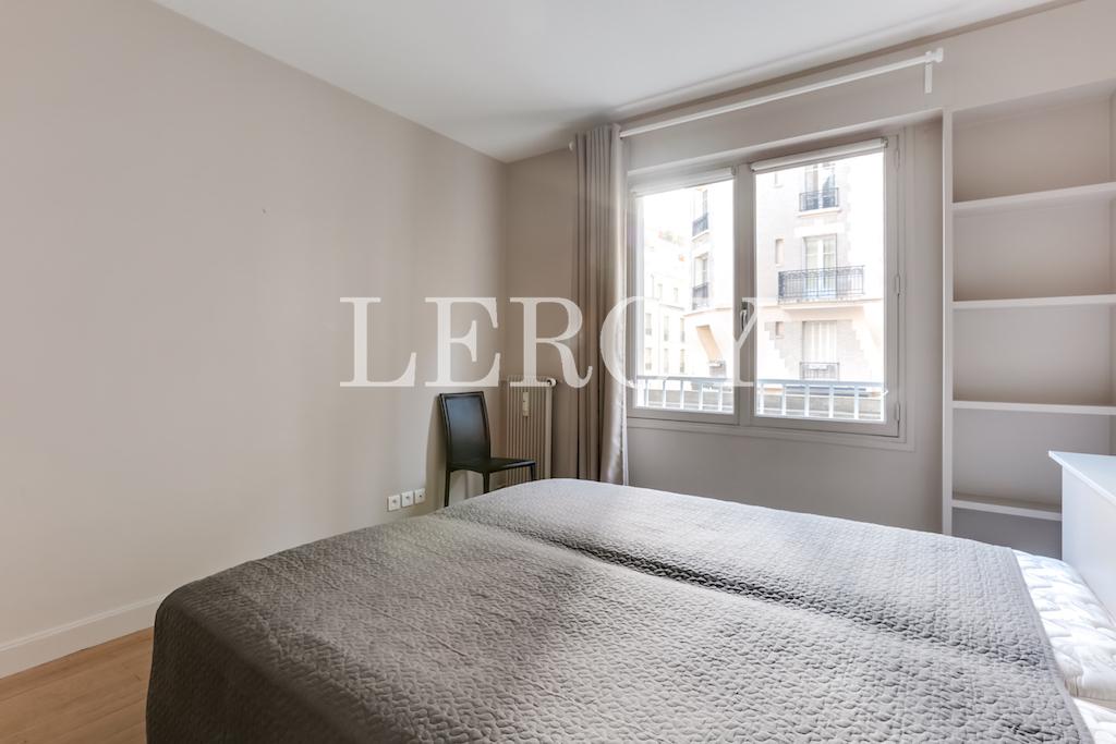Agence-Leroy-Vente-2-pièces-Vaneau-75007-Parisphoto-5655-009