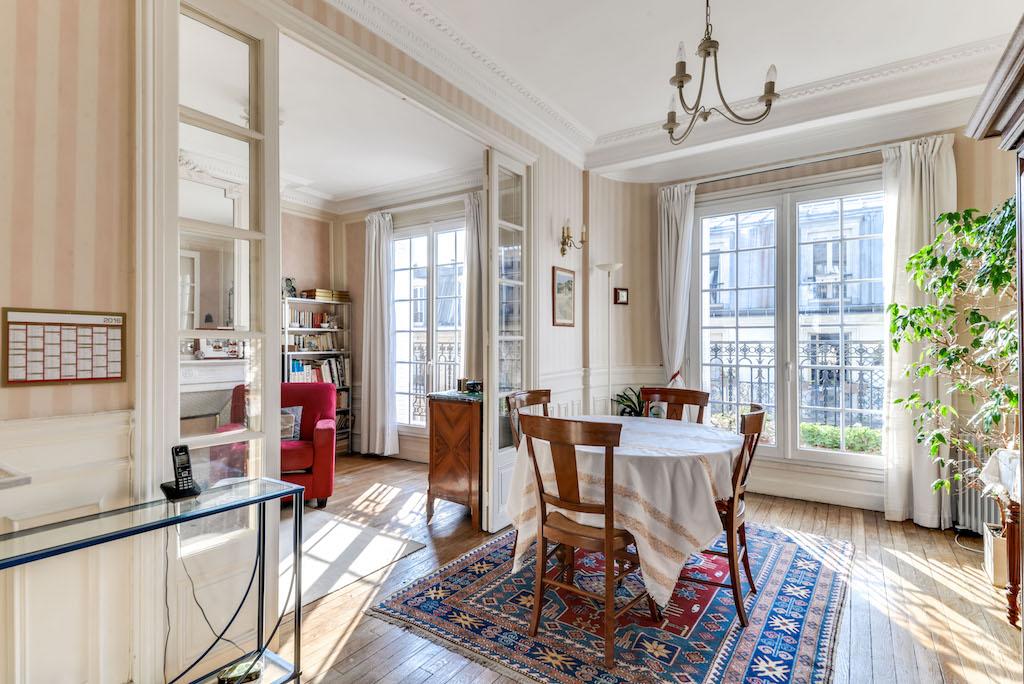 Agence-Leroy-Vente-3-pièces-balcons-rue-Vaneau-65-m2-75007-Paris-1