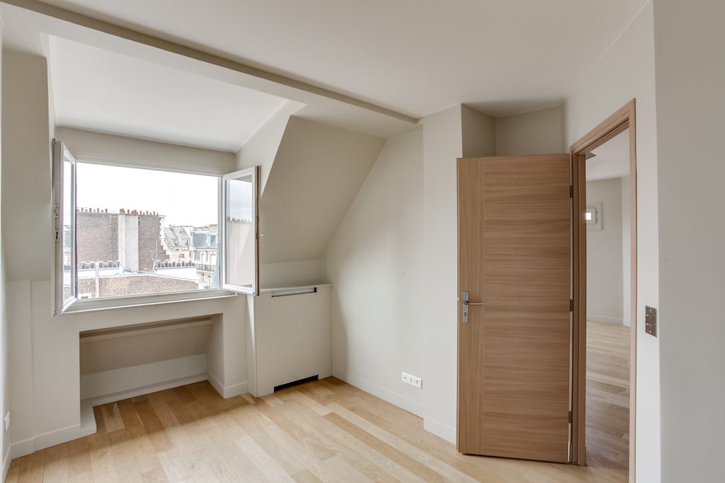 Agence-Leroy-Vente-3-pièces-Vue-Tour-Eiffel-5-pièces-52-m2-75007-Paris6