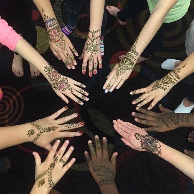 Party henna! 🎉 ._._._
