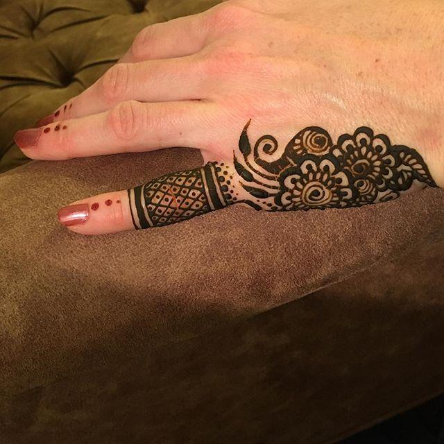 Sunday henna_._._._._