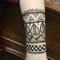 Sunday henna ._._