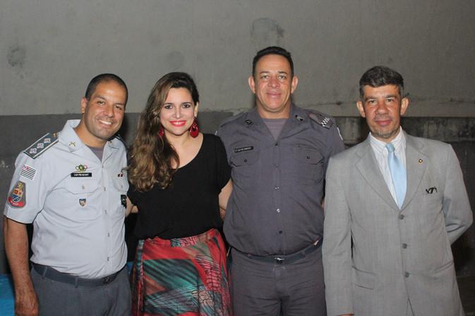 Homenagens as forças de Segurança e a apoiadores encerra o ano do CONSEG Pirajuçara-Taboão da Serra.