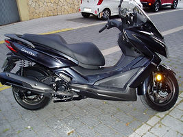 Kymco 300 001.JPG