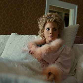 'The Eyes of Tammy Faye': Powerful Performances Lift an Otherwise Average Biopic