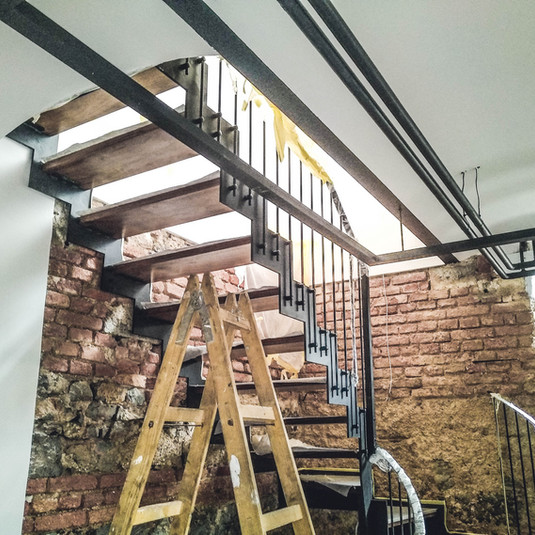 kovinske stopnice polončič