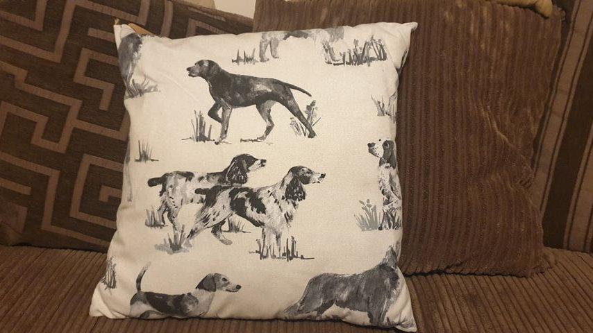 Pointer & Spaniel Cushion (2)