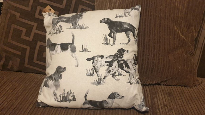Pointer & Spaniel Cushion (1)