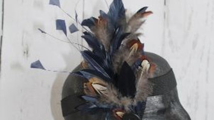 Navy Splayed Feather Facinator