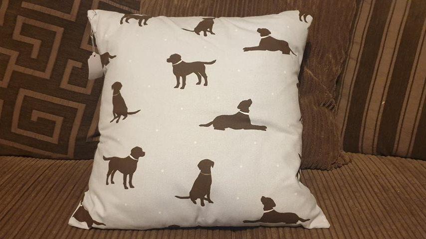 Labrador Cushion (3)