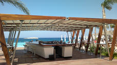 Alfresco bar with retractable roof