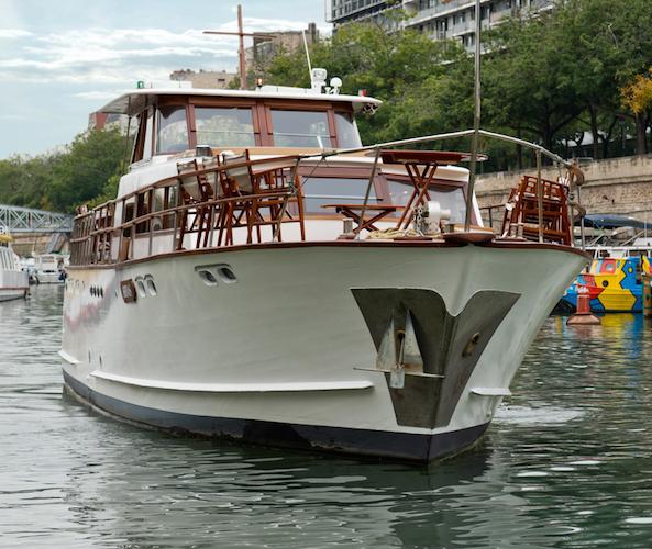 Shivas private luxury motor yacht on the seine