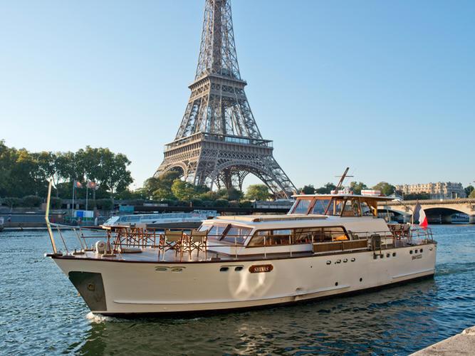 Shivas Super Riviera Eiffel Tower