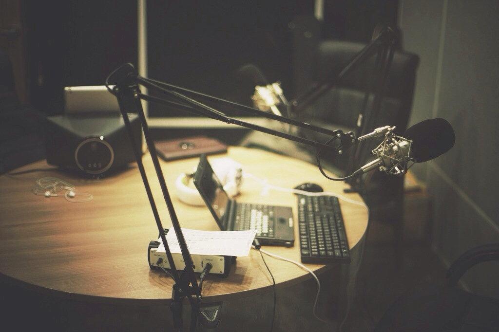 PODCAST STUDIO   AUDIO + VIDEO