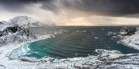 Stormy bay