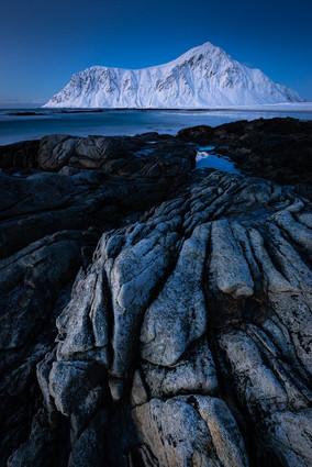 The still standing mountain