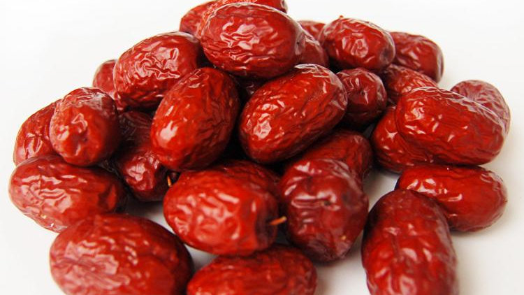 Red Dates with Seed