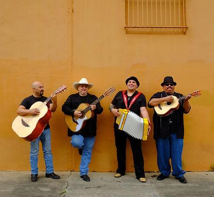 Los-Texmaniacs-photo-copyright-Michael-G