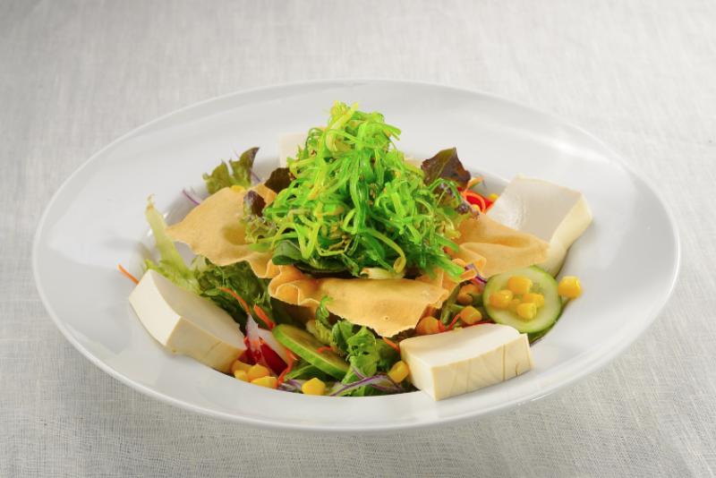 Tofu Wakame Avocado Salad