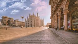 alba_in_piazza_del_duomo_a_milano_italy_