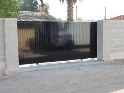 Black Electric Sliding Driveway T&G Gate