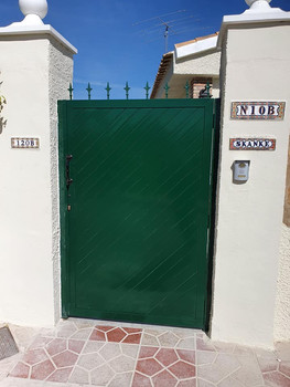 T&G Green Ped Gate.jpg