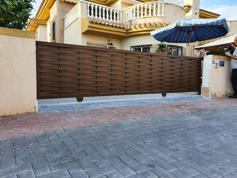Small woven 5m Electric Sliding Driveway