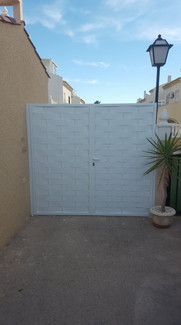 Double Side Gate In White