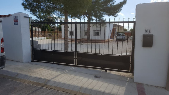 Open frame steel Gate with electric Automation. Costa Blanca