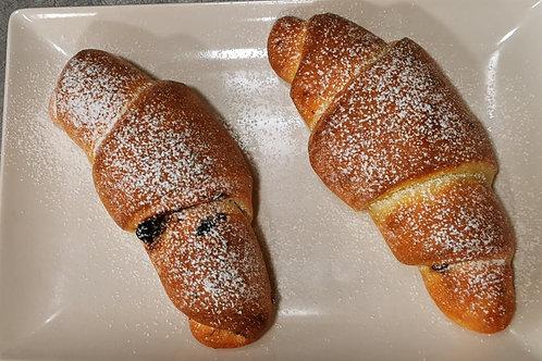 Croissant cu nucă și cacao