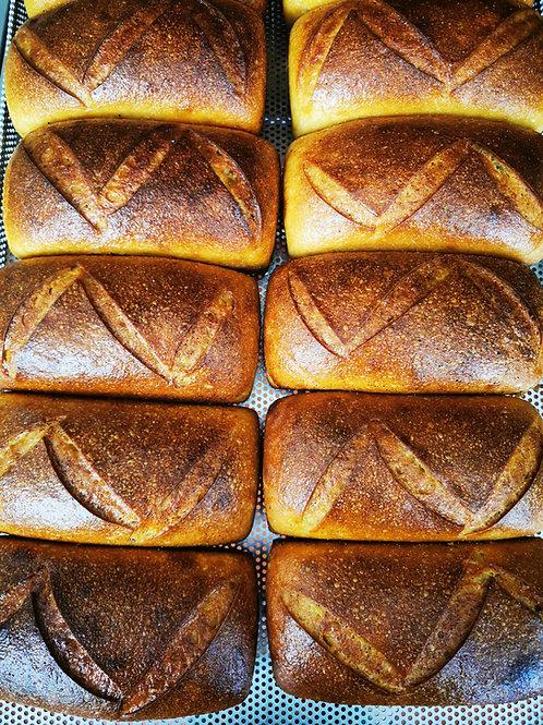 Pâine albă cu kefir și mălai (toast) 500 gr