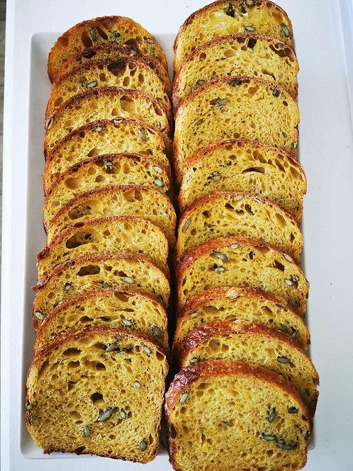 Pâine cu dovleac copt și semințe de dovleac și turmeric  500 gr
