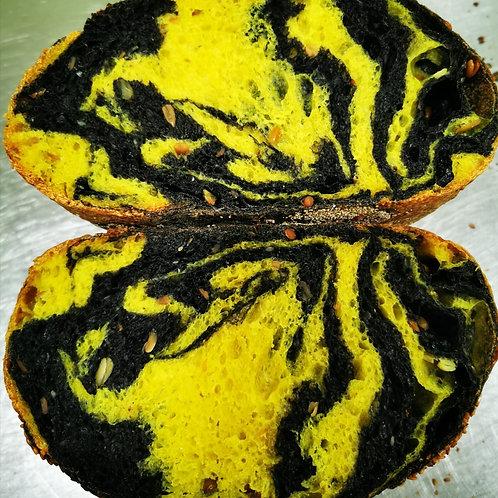 Pâine festivă în două culori 1kg