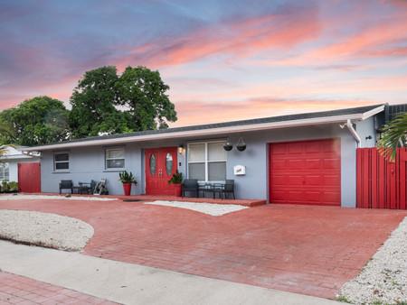 720 SW 68 Terrace, Pembroke Pines, FL