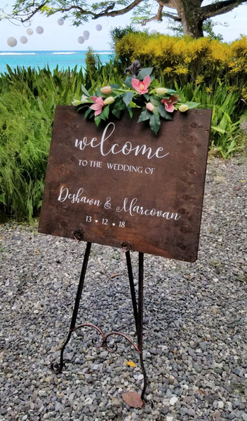 wooden welcome sign (2)