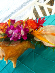 Tropical Bistro Table Conch Shell Arrangement