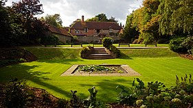 281px-Lawns,_Manor_Gardens,_Bexhill.jpg