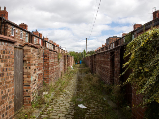 Cracks in the city: Manchester alleyways
