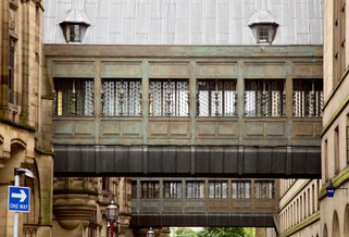 Bridges linking Manchester Town Hall and Extension building