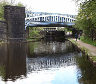 Rochdale Canal, Mills Hill, Oldham