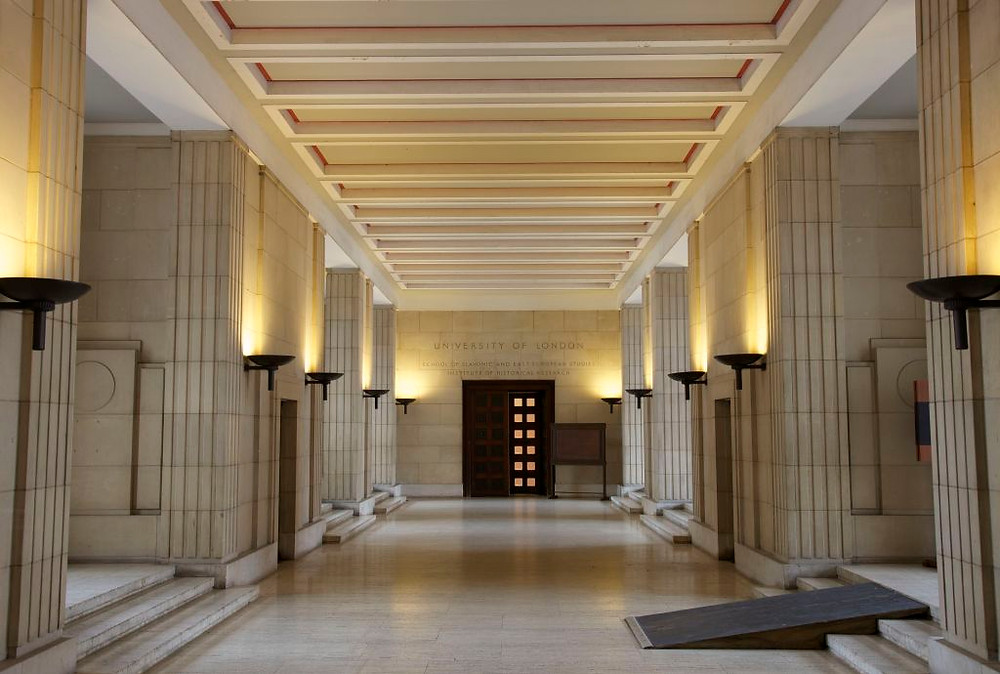 Thoroughfare through the foyer of Senate House