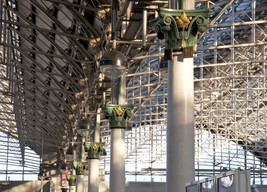 Cast-iron columns, Piccadilly station, London Road